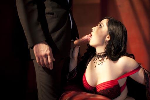 Casting anal d une grosse cochonne dans la maison du sexe - 2 part 10