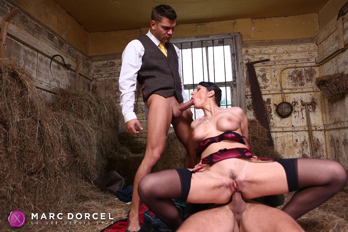 Casting anal d une jeune amatrice francaise - 2 4