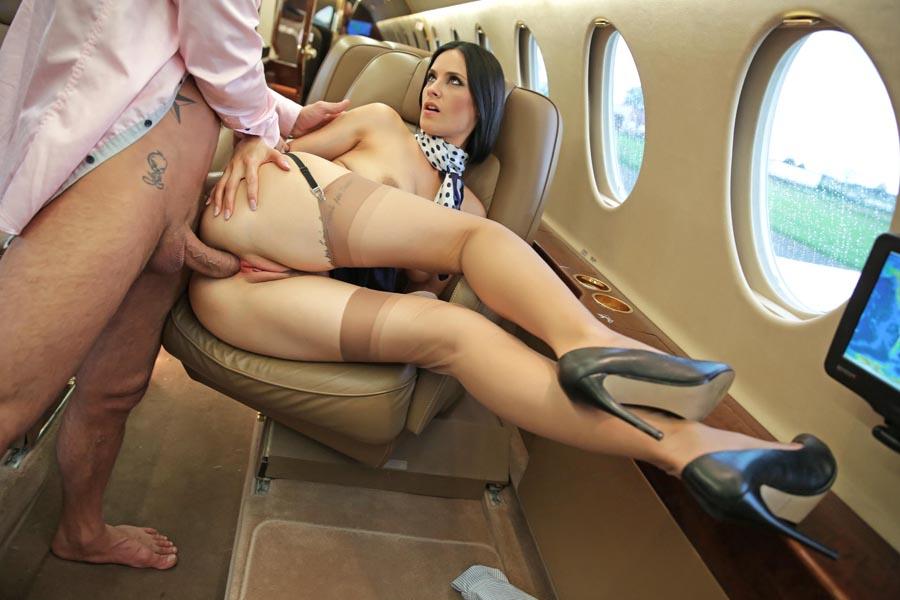 Пороно Приставание В Самолете