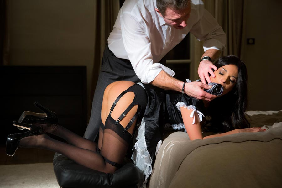 baise en culotte french maid anal sex