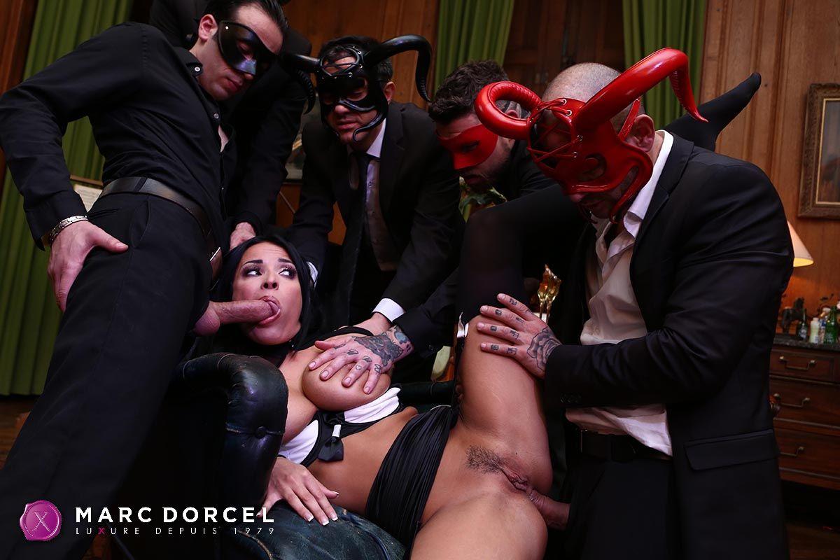 Le Parfum De Manon – Marc Dorcel