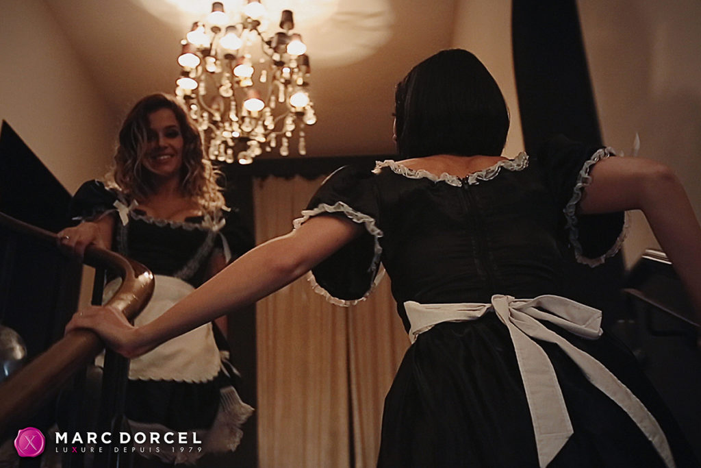 video-s-guvernantkami-razdevaetsya-pod-muziku-porno-onlayn