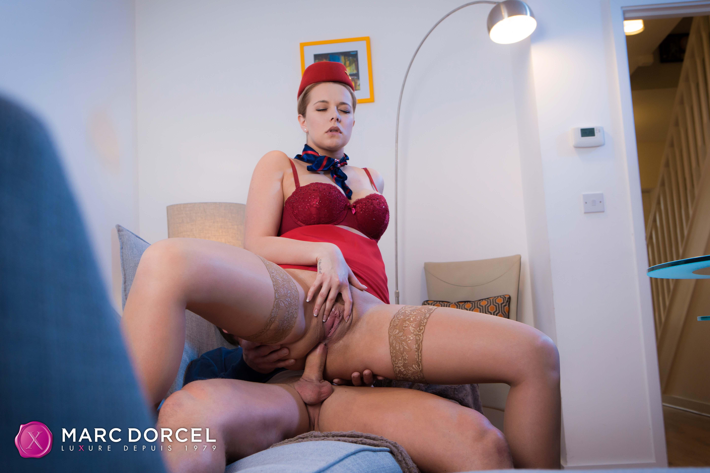 Escale sexuelle pour hôtesse de l'air